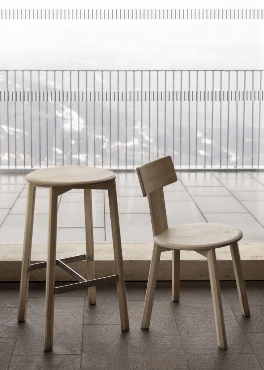 Hocker und Stuhl der Kofel Kollektion