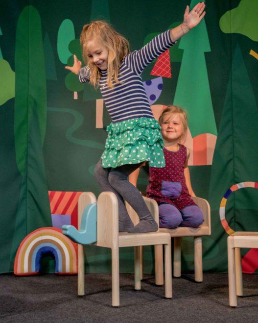 stabile Kinderstühle aus Holz