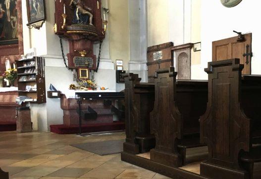 Sitzbank Detail in Pfarr- und Wallfahrtskirche Hoheneich
