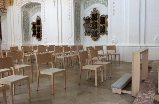 Kirchensessel mit Filzsitz Akademikerkapelle Kremsmünster