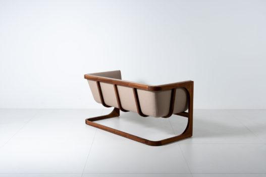 Trewit Sofa Crafted Freischwinger Holzgestell